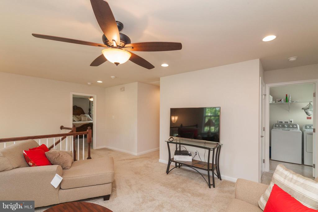 Loft Space Great For Additional TV  Gathering - 5719 PINEY GLADE RD, FREDERICKSBURG