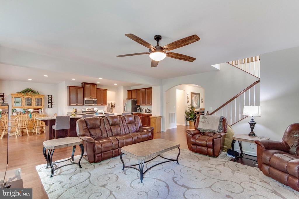 Beautiful Family Room W/ Ceiling Fan - 5719 PINEY GLADE RD, FREDERICKSBURG