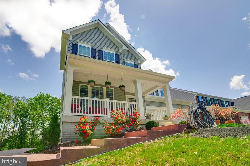 Welcome To 5719 Piney Glade Rd - Great Front Porch - 5719 PINEY GLADE RD, FREDERICKSBURG