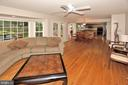 PERFECT FOR ENTERTAINING! - 13466 POINT PLEASANT DR, CHANTILLY