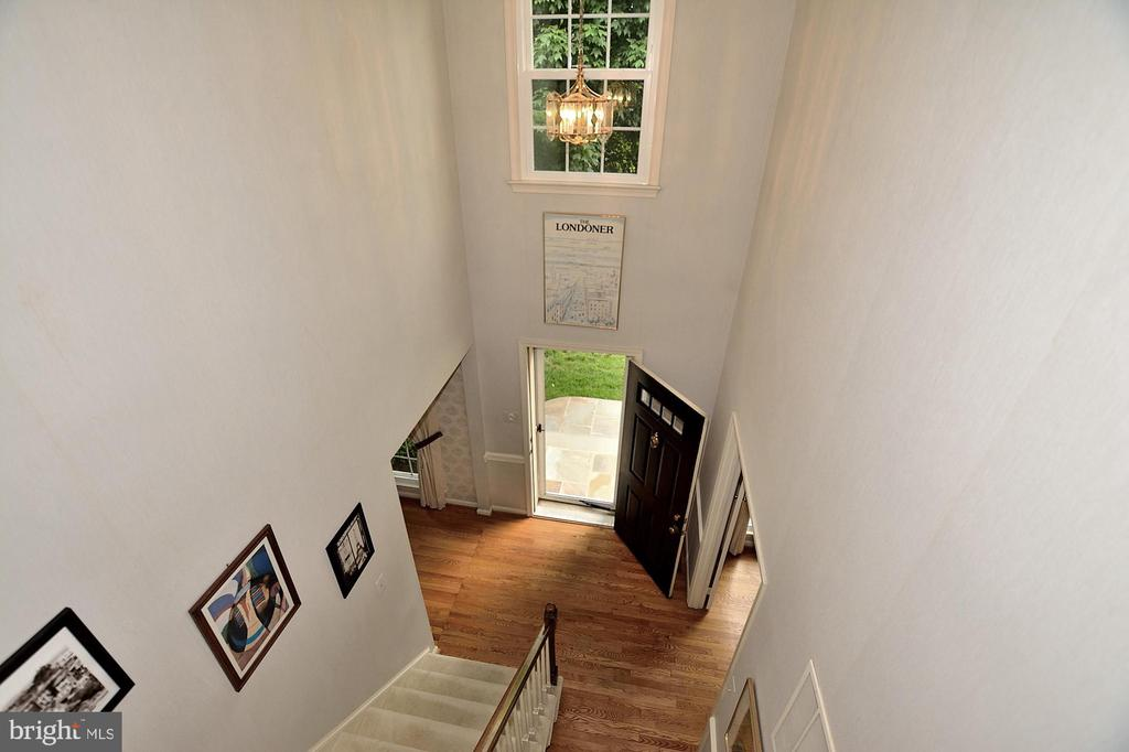 TWO STORY FOYER - 13466 POINT PLEASANT DR, CHANTILLY