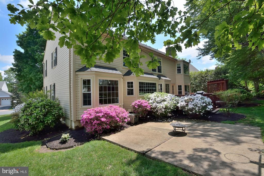 LARGE PATIO - 13466 POINT PLEASANT DR, CHANTILLY