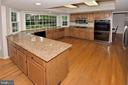 GRANITE COUNTERS - 13466 POINT PLEASANT DR, CHANTILLY
