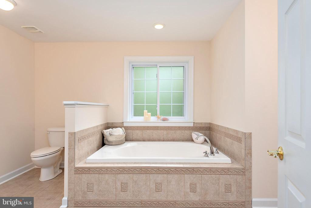 Luxury Master - 2843 GARRISONVILLE RD, STAFFORD
