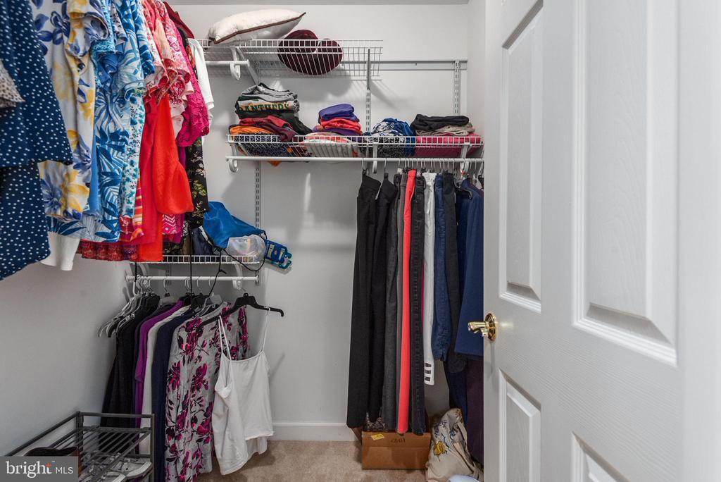 His  Walk in closet - 2843 GARRISONVILLE RD, STAFFORD