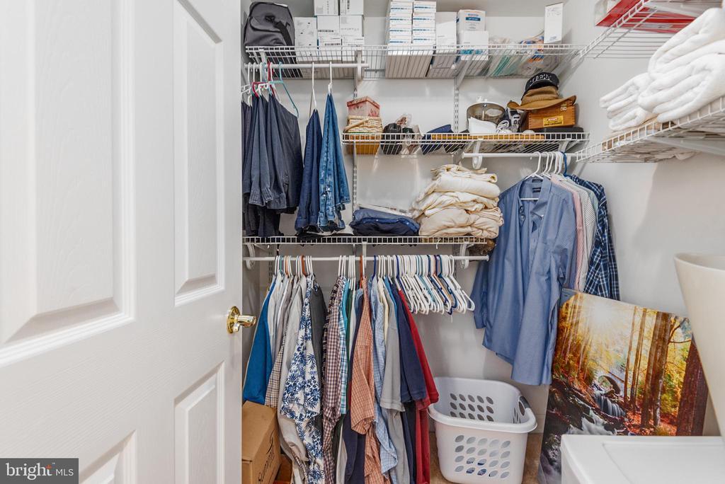 Her Walk in Closet - 2843 GARRISONVILLE RD, STAFFORD