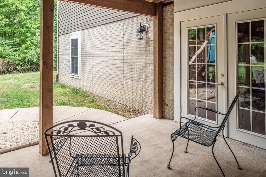 Patio from basement with two sets of French doors - 2843 GARRISONVILLE RD, STAFFORD