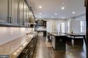 Large Kitchen - 20650 HOLYOKE DR, ASHBURN