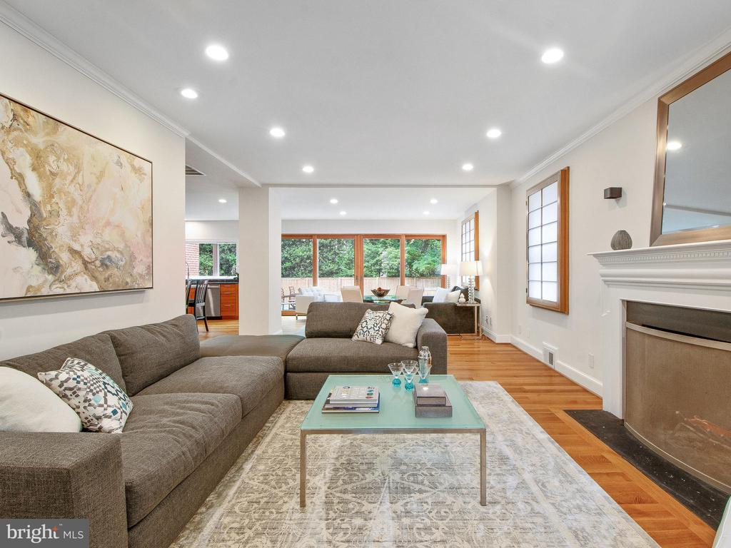 Open Design Main Level - 3927 OLIVER ST, CHEVY CHASE