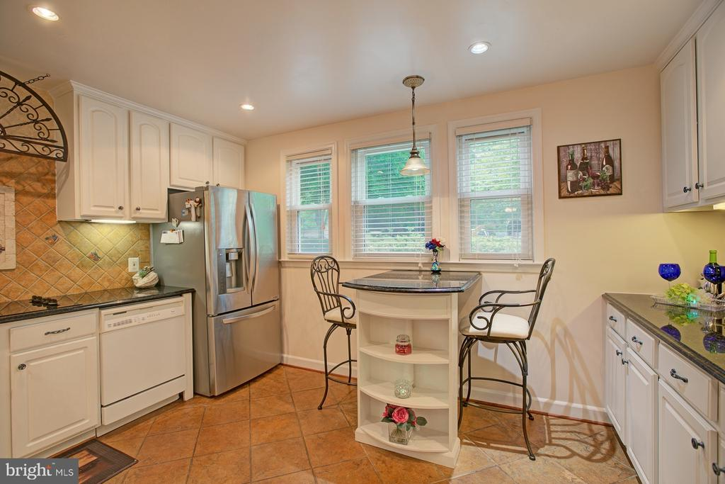 Kitchen - 2082 LAKE AUDUBON CT, RESTON