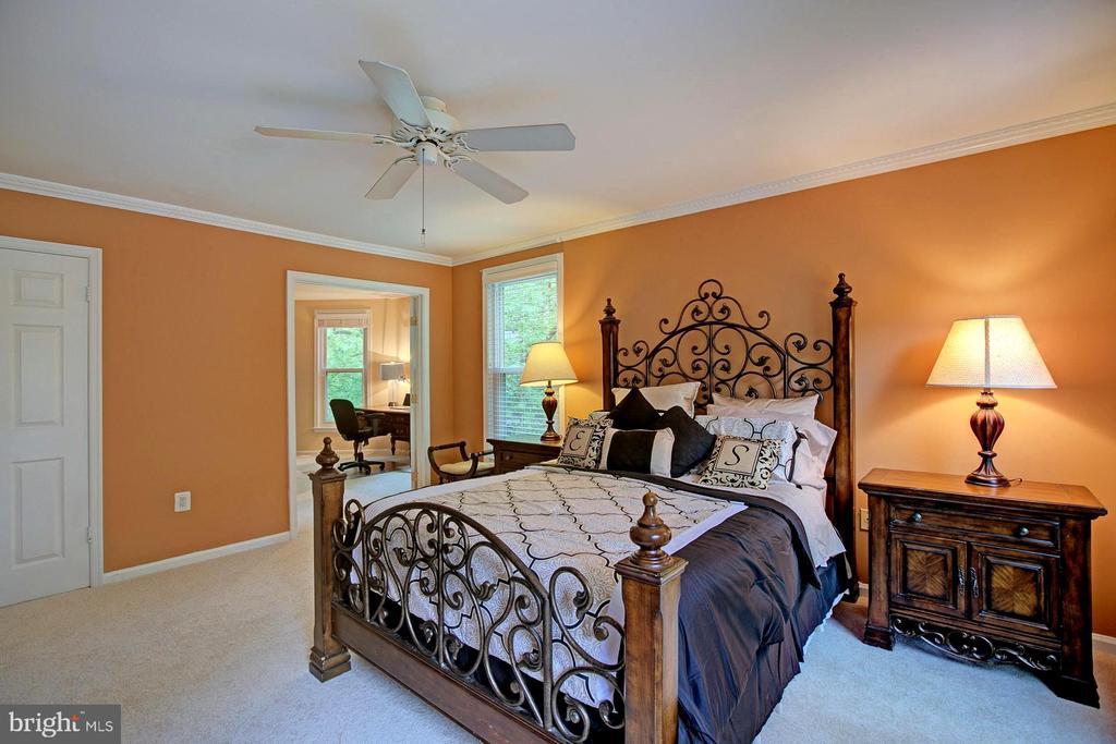 Master bedroom - 2082 LAKE AUDUBON CT, RESTON