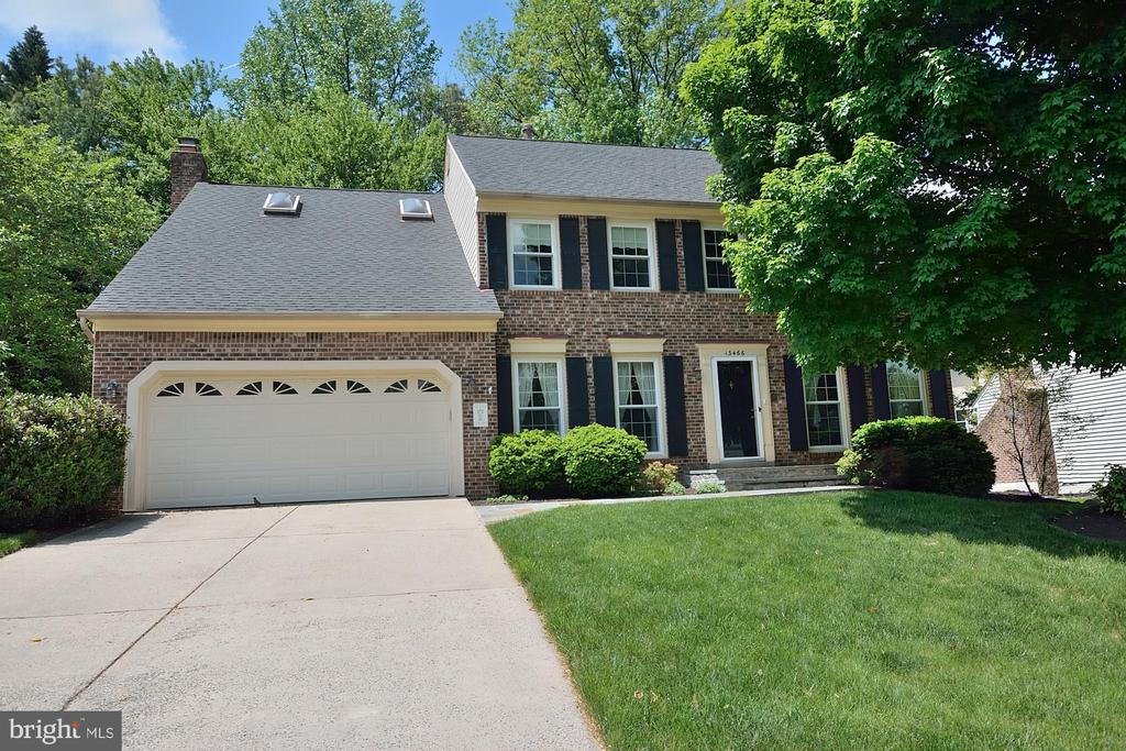 WELCOME HOME! - 13466 POINT PLEASANT DR, CHANTILLY
