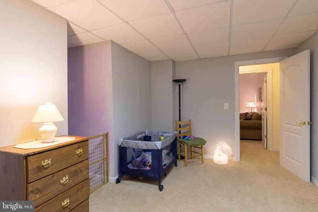 FLexible space offers all kinds of options - 32 MONUMENT DR, STAFFORD