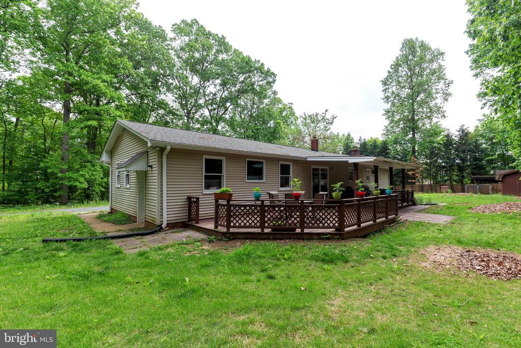 Easy Step From Your Deck To The Backyard! - 135 JOSHUA RD, STAFFORD