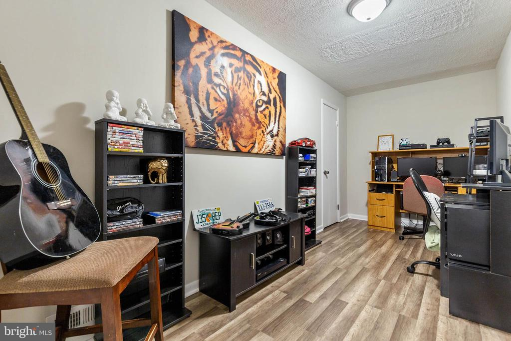 Create Your Own Space - Office/Bedroom (NTO)! - 135 JOSHUA RD, STAFFORD