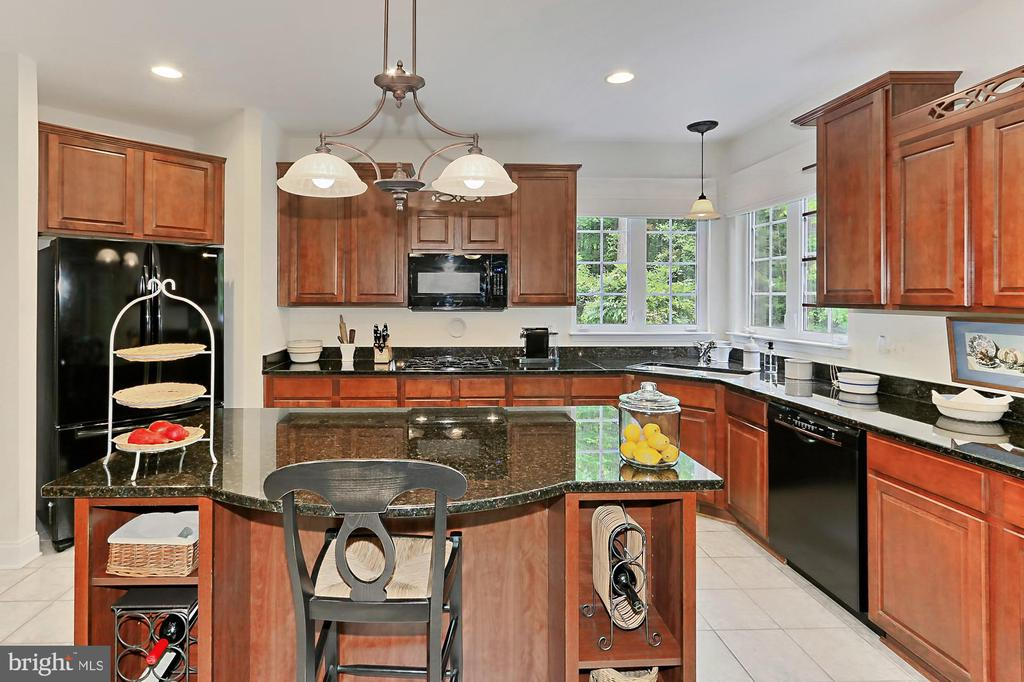 Gourmet Kitchen - 10627 TIMBERIDGE RD, FAIRFAX STATION