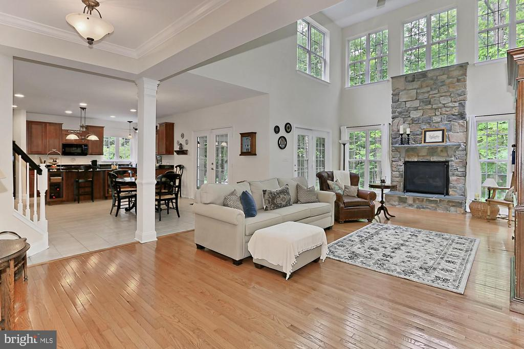 Two Story Family Room - 10627 TIMBERIDGE RD, FAIRFAX STATION