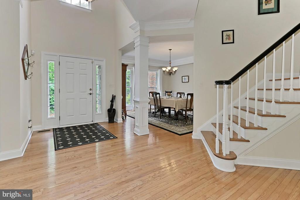 Two Story Foyer - 10627 TIMBERIDGE RD, FAIRFAX STATION