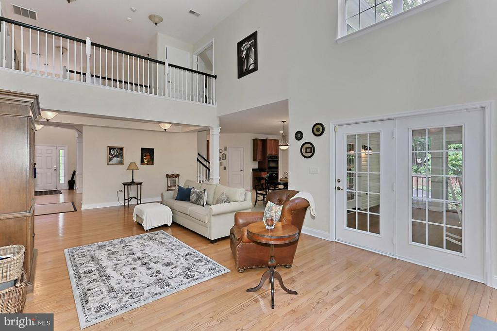 Two Story Family Room and Overlook - 10627 TIMBERIDGE RD, FAIRFAX STATION