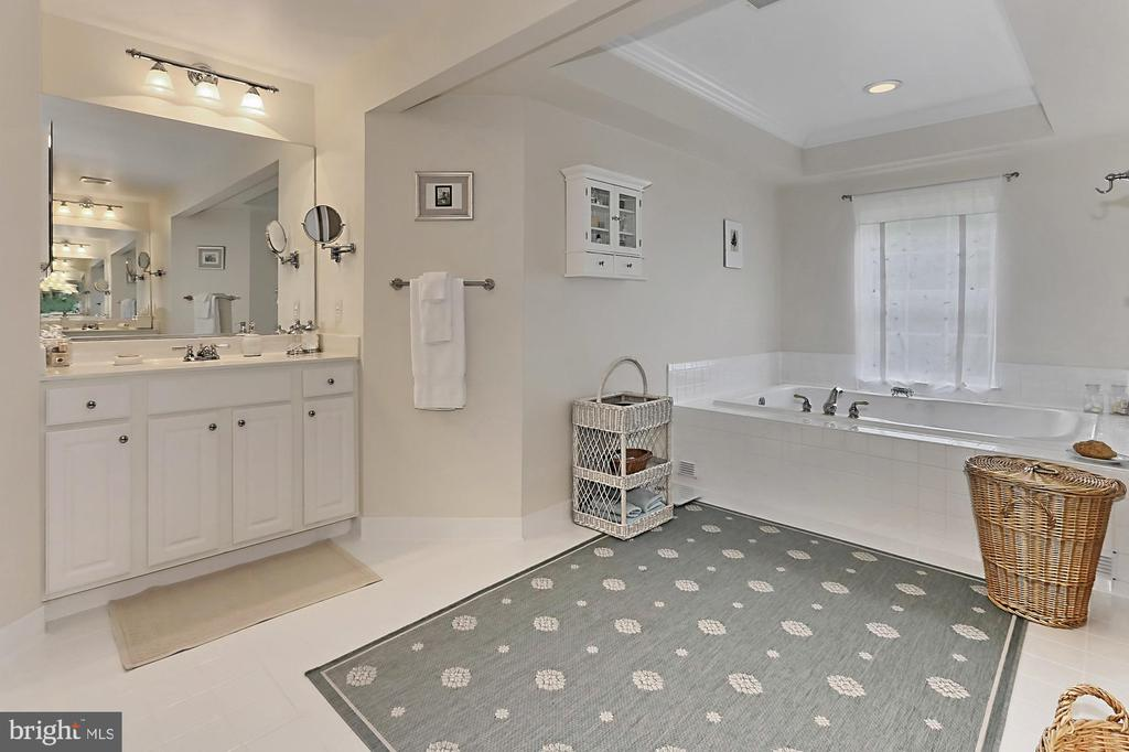 Master Bath - 10627 TIMBERIDGE RD, FAIRFAX STATION