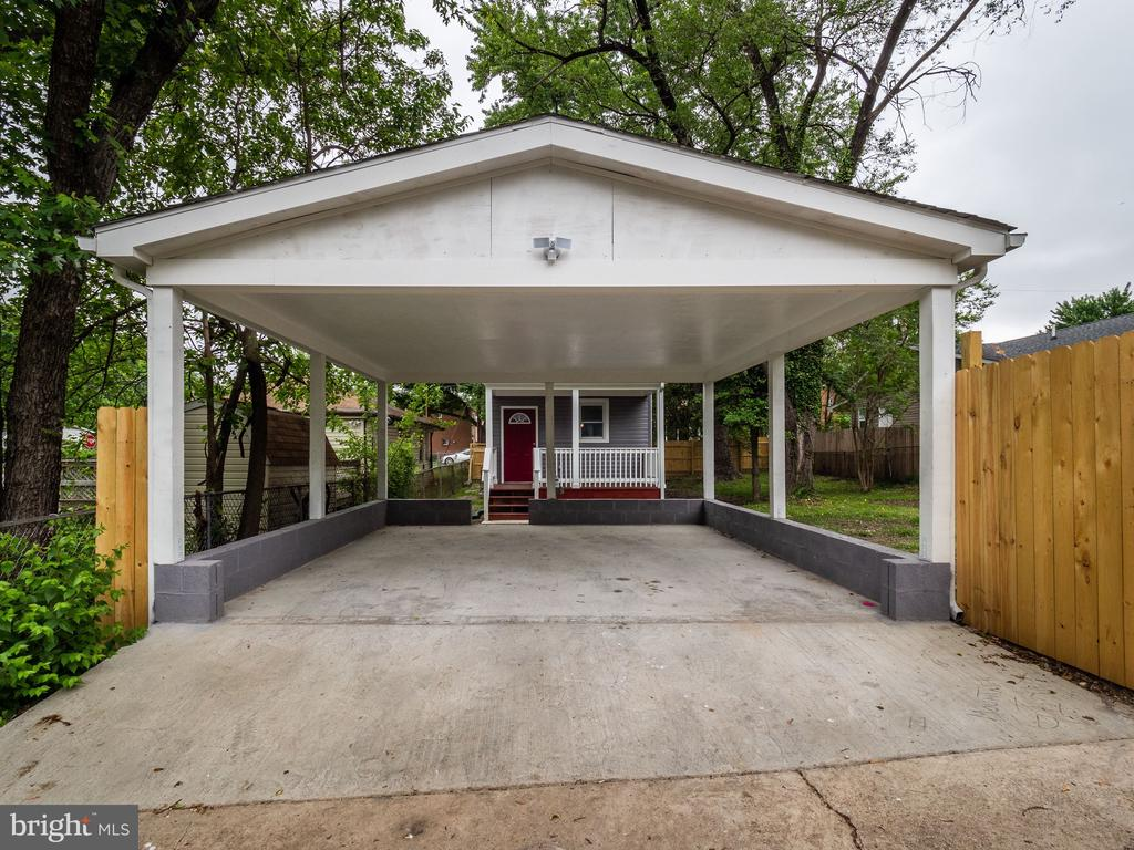 Carport - 5705 FOOTE ST NE, WASHINGTON