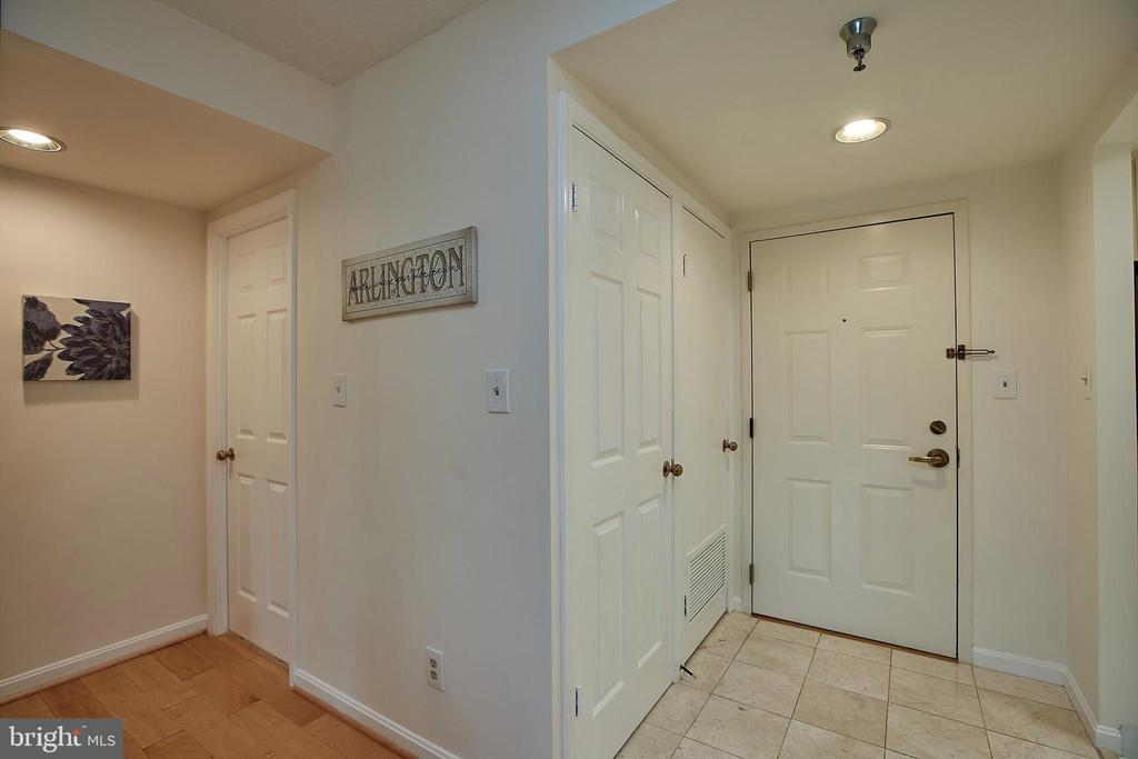 Entry foyer, with marble tiling - 2400 CLARENDON BLVD #203, ARLINGTON