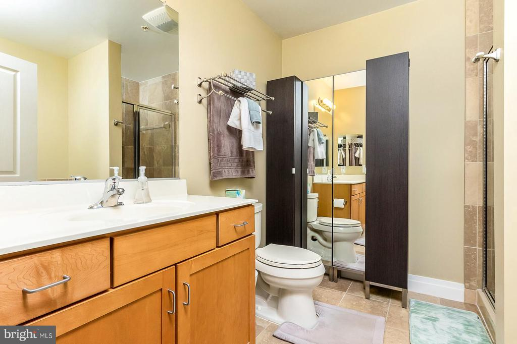 Master Bath - 1205 N GARFIELD ST #304, ARLINGTON