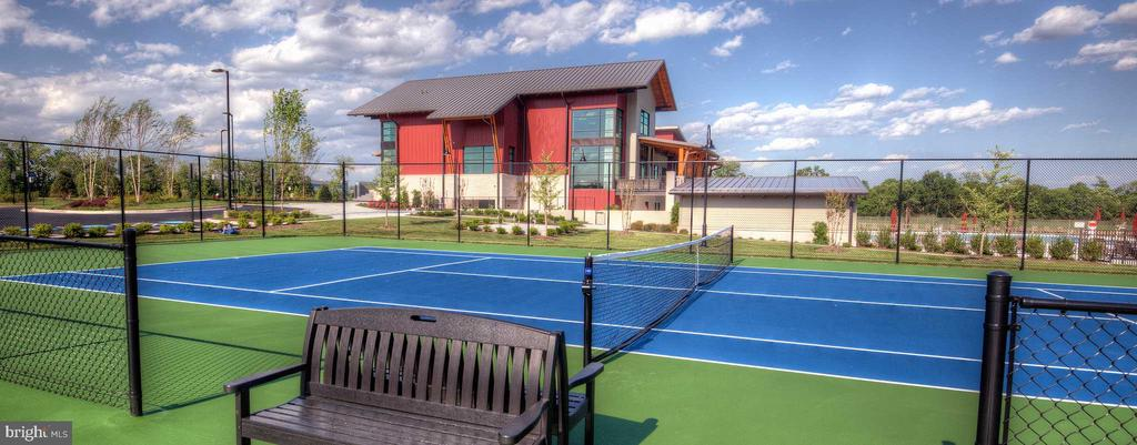 Tennis Court - 20650 HOLYOKE DR, ASHBURN