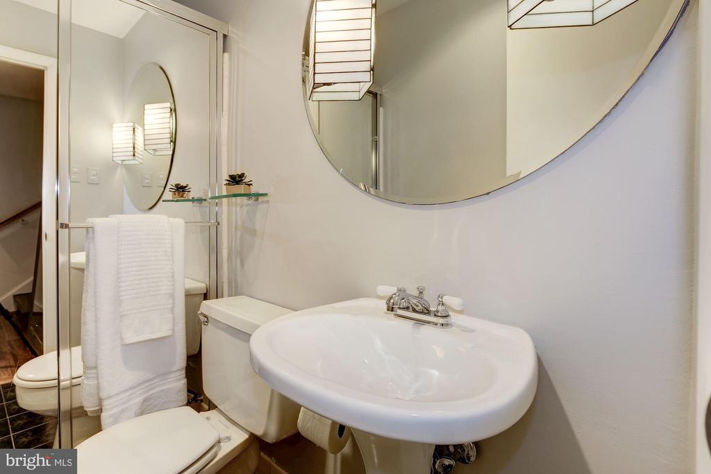 Full guest bath on pool / office level - 5508 DEVON RD, BETHESDA