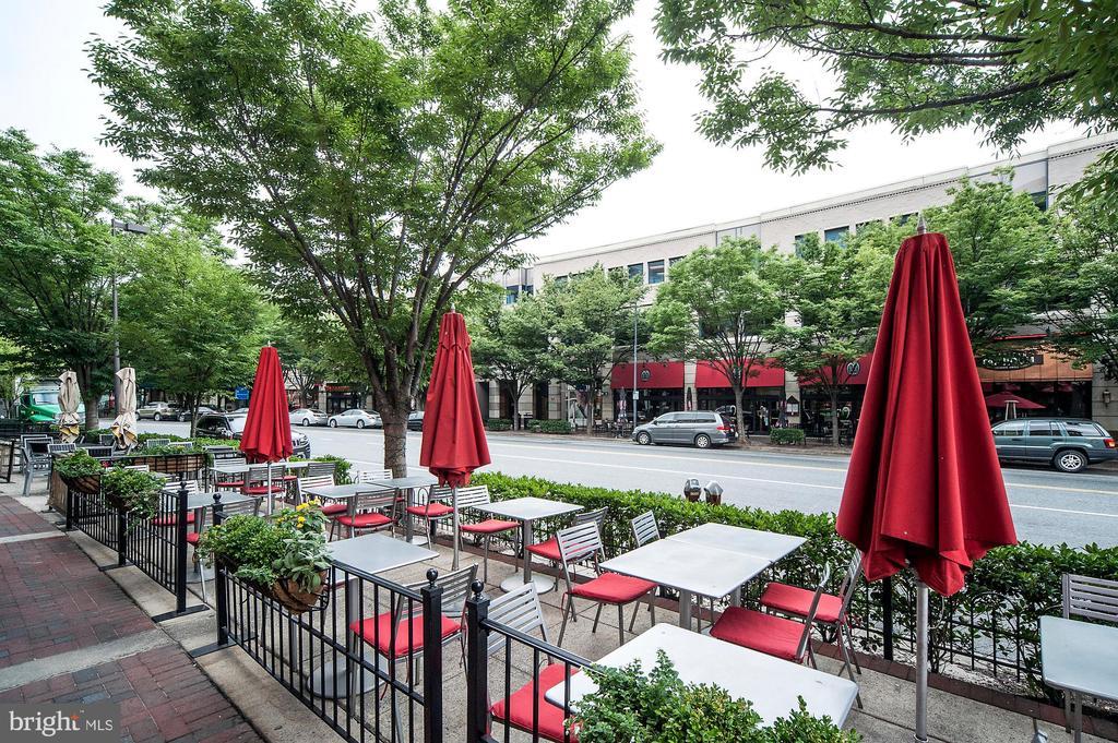 Enjoy access to restaurants, shops - 5508 DEVON RD, BETHESDA