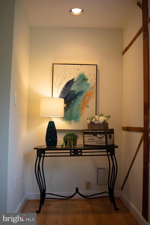 art nook or add a desk - 37354 JOHN MOSBY HWY, MIDDLEBURG