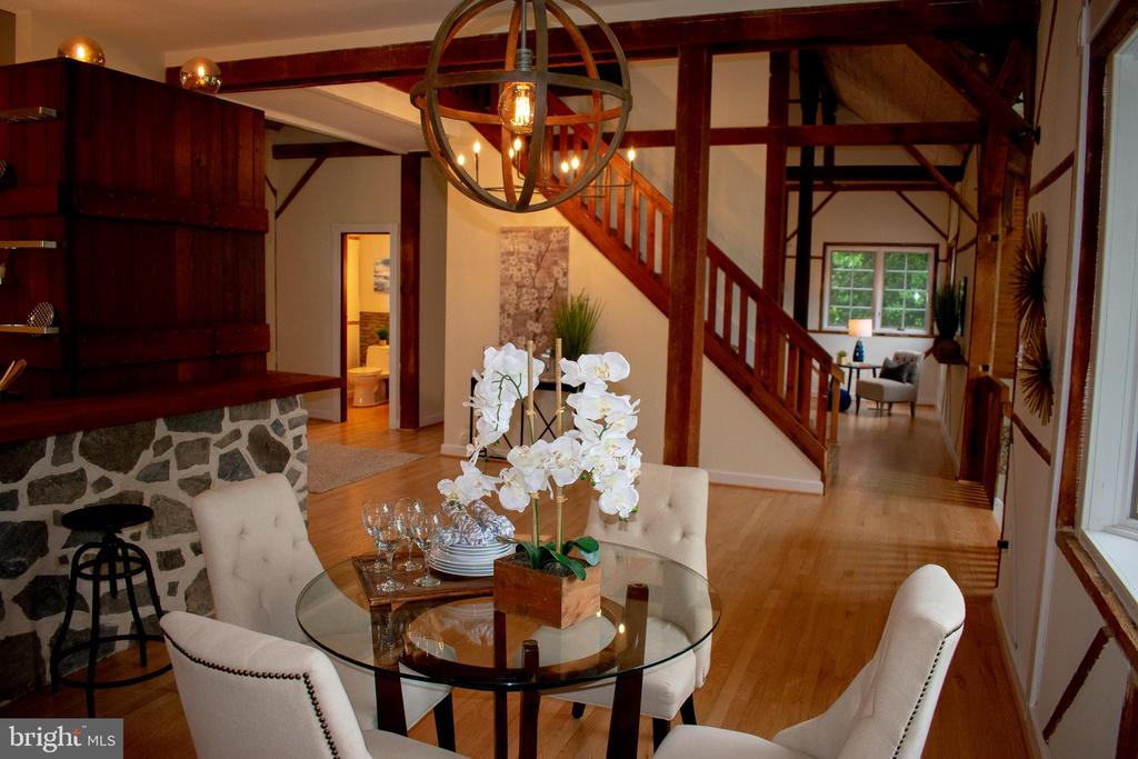 Gorgeous refinished hardwood floors throughout - 37354 JOHN MOSBY HWY, MIDDLEBURG