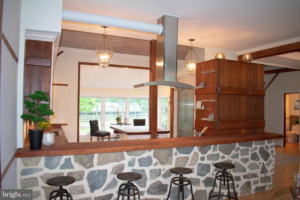 Eat in Bar - 37354 JOHN MOSBY HWY, MIDDLEBURG