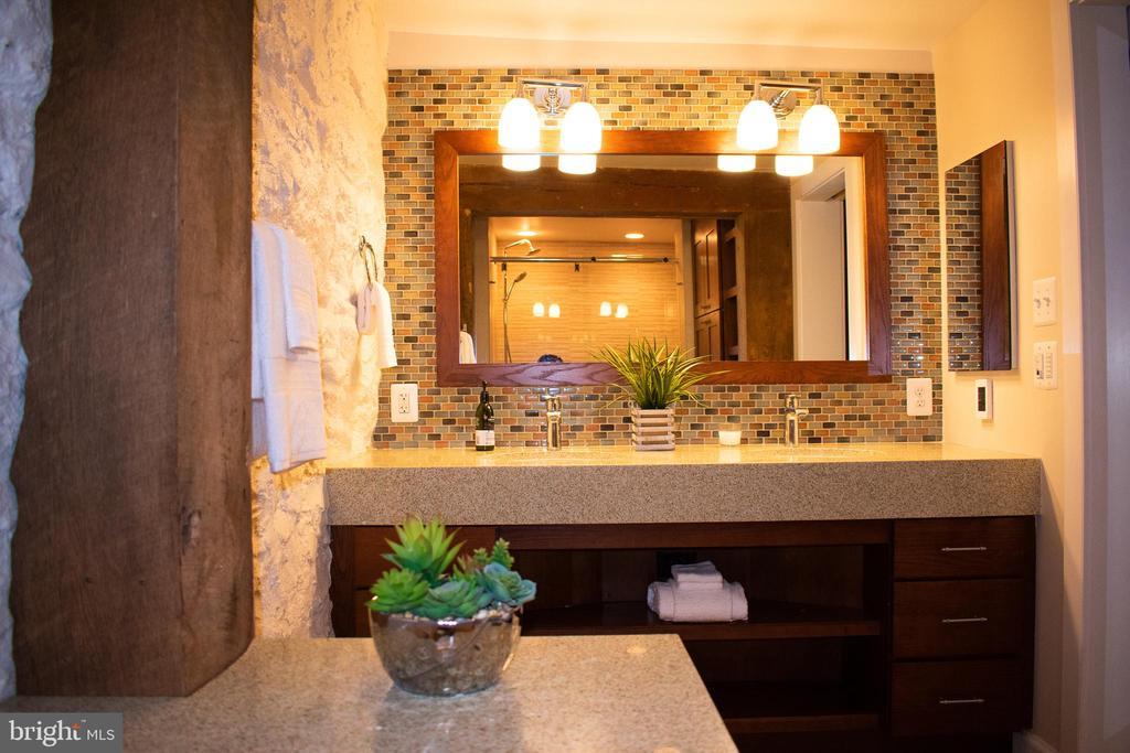 Master bath radiant heated floors - 37354 JOHN MOSBY HWY, MIDDLEBURG