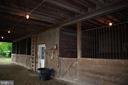 4 stalls tack room loft, fans, water, tack room - 37354 JOHN MOSBY HWY, MIDDLEBURG