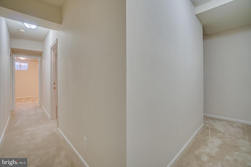 Basement Hallway - 12090 WINONA DR, WOODBRIDGE