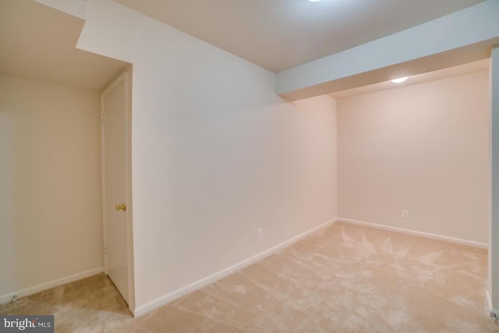 Flex Room and Extra Storage Area Behind Door - 12090 WINONA DR, WOODBRIDGE