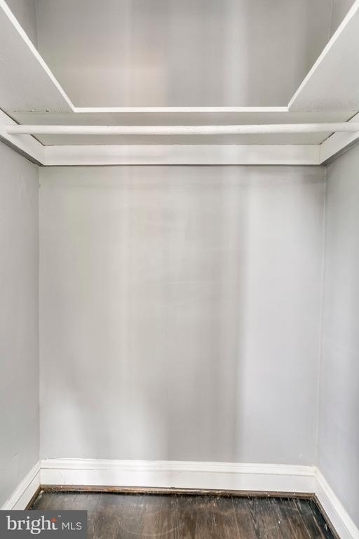 Owner's suite walk in closet - 4704 BROOKS ST NE, WASHINGTON