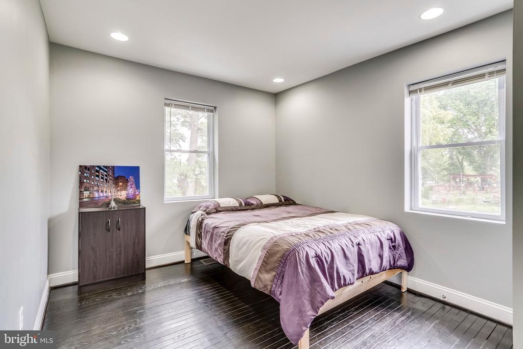 Second bedroom view 1 - 4704 BROOKS ST NE, WASHINGTON