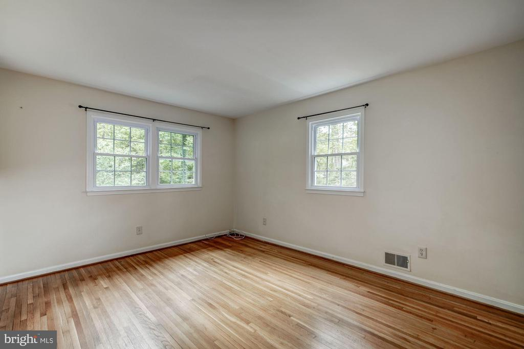 Bedroom 3 View 2 - 8623 APPLETON CT, ANNANDALE