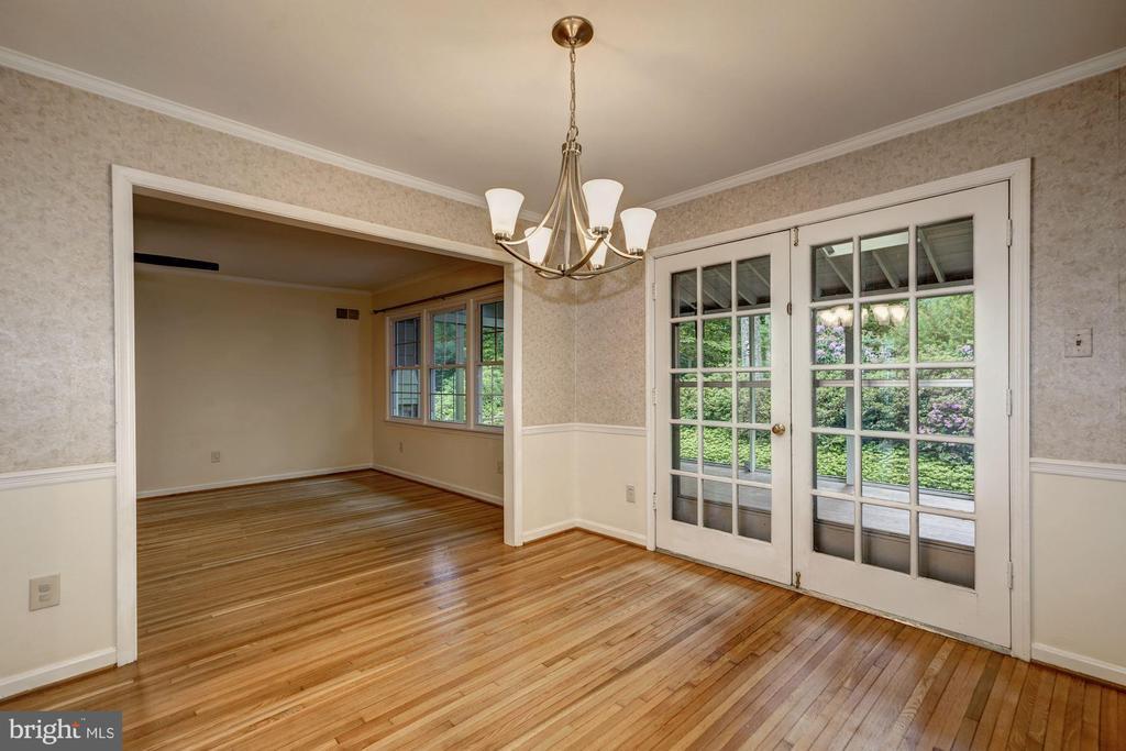 Sun Porch Door /Dining Room - 8623 APPLETON CT, ANNANDALE