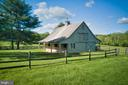 Two stall barn and tack room - 23009 COBB HOUSE RD, MIDDLEBURG