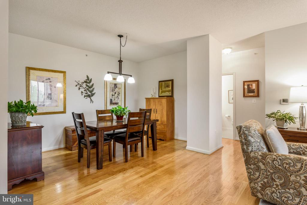 Hardwood floors throughout entire condo - 19355 CYPRESS RIDGE TER #416, LEESBURG