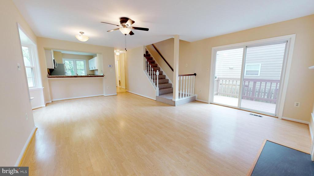 Main level offers wonderful open living  space - 20 MCPHERSON CIR, STERLING