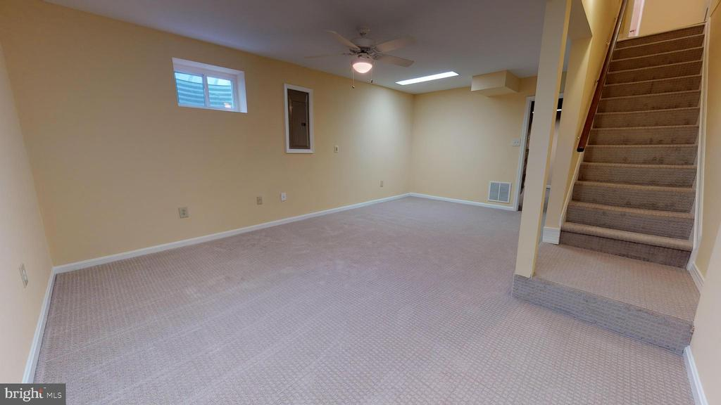 Lower level boasts fresh  paint and  new carpeting - 20 MCPHERSON CIR, STERLING