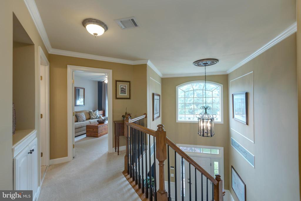 New carpet throughout upper level - 43262 TISBURY CT, CHANTILLY