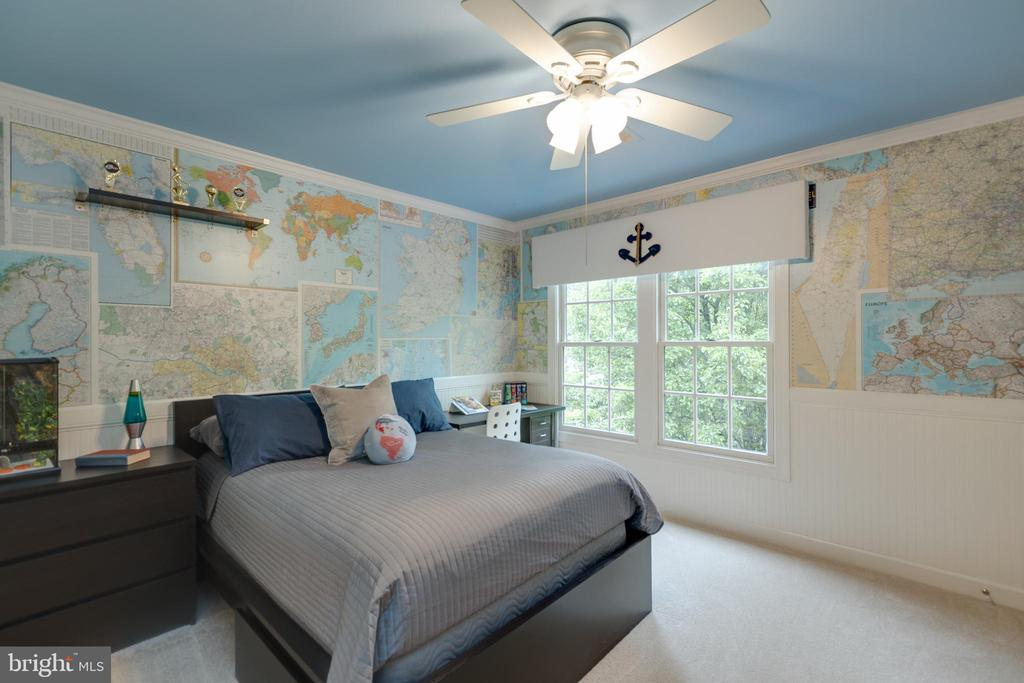 Ceiling fans in bedrooms and living spaces - 43262 TISBURY CT, CHANTILLY