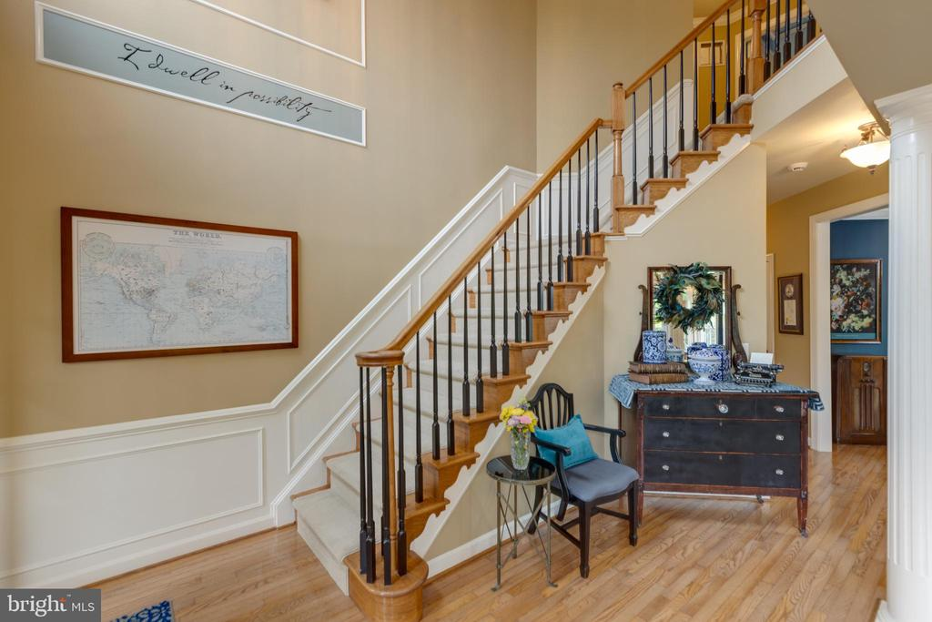 Hardwood throughout the main level - 43262 TISBURY CT, CHANTILLY