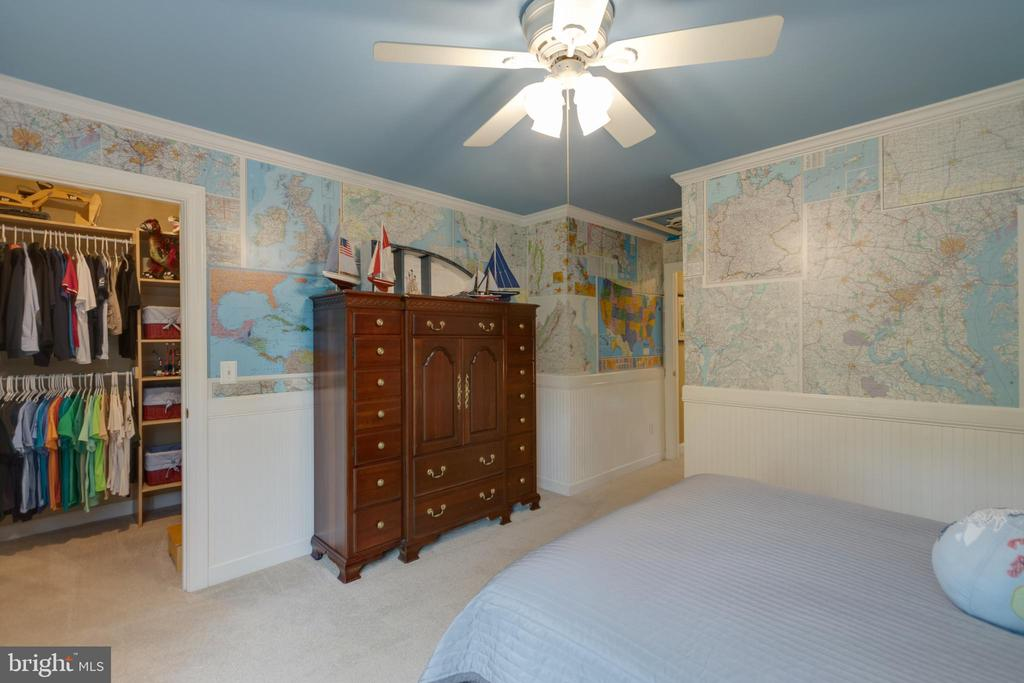 Large bedrooms and closets - 43262 TISBURY CT, CHANTILLY
