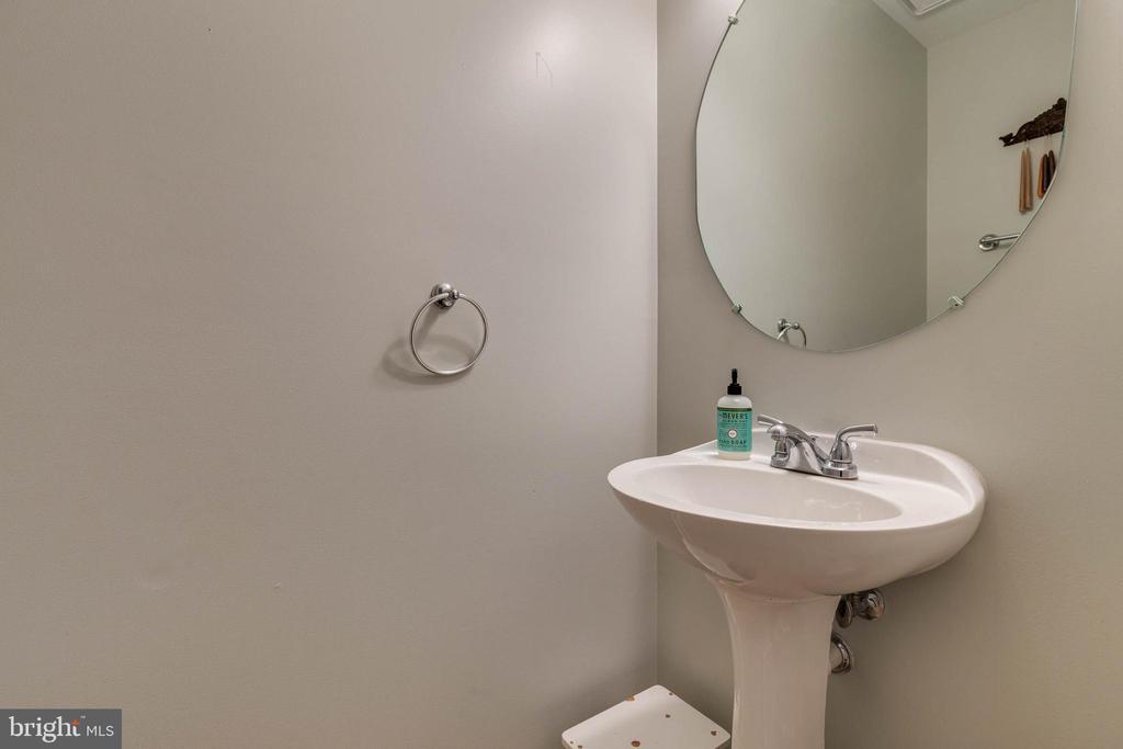 Powder Room - 15058 ARDMORE LOOP, WOODBRIDGE